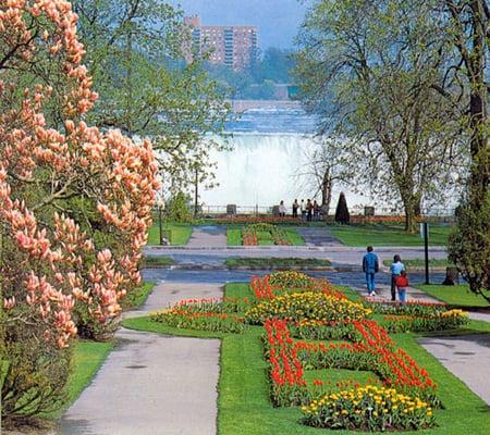 Queen Victoria Park Things To Do Niagara Falls Canada