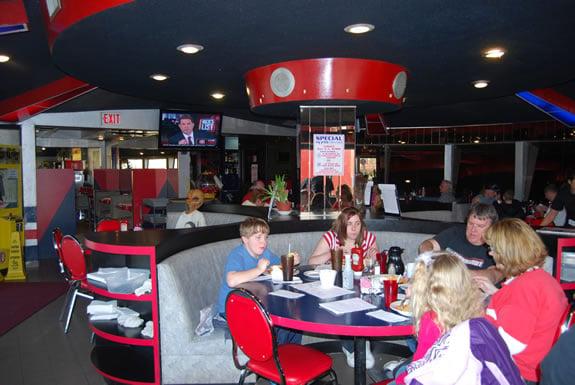 Flying Saucer Restaurant Restaurants Amp Dining Niagara