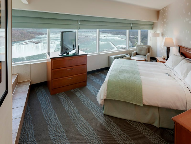 Radisson Hotel Amp Suites Fallsview Where To Stay