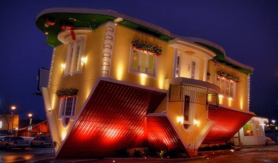The Upside Down House upside down house | niagara falls canada