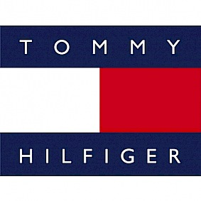 I love wearing Tommy Hilfiger, shopping Tommy Hilfiger, and perhaps the only thing I love more is buying Tommy Hilfiger online, from the comfort of my own couch. The brand's iconic label with it's blue, red, and white colours, are about as classic as fireworks on Canada Day.